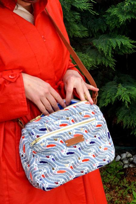 les mains dans le sac en jacquard bleu